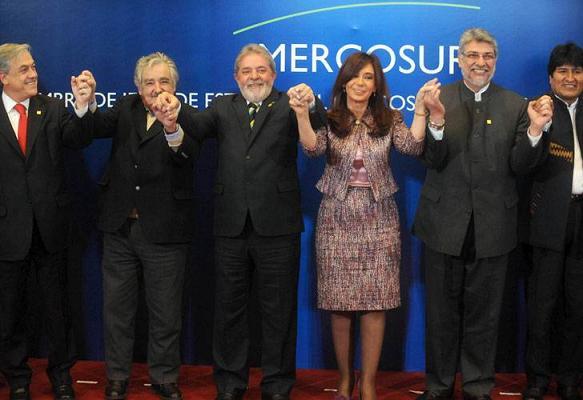 20101216132120-80presidentes-mercosur-1-.jpg